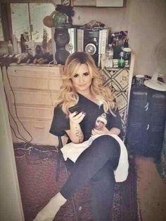 @Demetria Hudson Hudson Hudson Hudson Hudson Lovato: glam squad so beautiful !!!!!!!! i,m gonna die