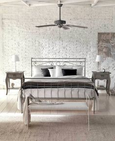 Wall with brick in white metal bed Faux Brick Walls, Brick Paneling, Contemporary Bedroom, Modern Room, Camas Shabby Chic, White Metal Bed, Black White Bedrooms, Bedroom Photos, Interior Decorating