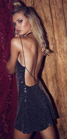vestido negro lentejuelas espalda abierta