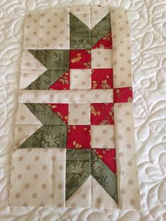 Have you heard about the Sweet Scandinavian Sew Along by Sherri Falls of This & That patterns? It has just started, so it's not too lat. Patchwork Quilt Patterns, Quilt Block Patterns, Pattern Blocks, Shirt Patterns, Pattern Sewing, Pants Pattern, Clothes Patterns, Dress Patterns, Star Quilt Blocks