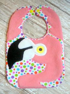 FLAMINGO BIB Sewing For Kids, Baby Sewing, Mermaid Quilt, Flamingo Birthday, Binky, Sewing Projects, Sewing Ideas, Diy Projects, Baby Crafts
