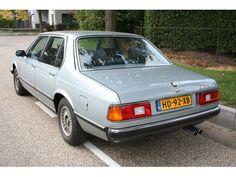 E23 - BMW Model:7 Serie Type:728i Automaat Basis Inrichting:Sedan (4 drs) Vermogen motor:179 PK Aantal cilinders:6 Bouwjaar:augustus 1981 Kleur:Licht Astraalblauw metallic Brandstof:Benzine Versnellingsbak:Automaat Km. stand:126.500 km Cilinderinhoud:2.788 cc Gewicht (leeg):1.540 kg Max. trekgewicht:1.600 kg APK:tot 14 augustus 2013 BTW/Marge:Marge Prijs: € 6.950