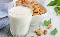 Almond Milk – Extremely Healthy and Tasty Soy Allergy, Easy Homemade Recipes, Homemade Food, Milk Alternatives, How To Make Drinks, Rice Milk, Raw Almonds, Health And Fitness Tips, Health Tips