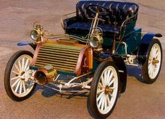 1904 Eldredge Runabout - The Eldrege automobile was a product of the National Sewing Machine Co. in Belvidere, Illinois from 1903-1906. This car has a horizontal 2 cyl. , 8hp engine and cost 750 when new. Note the lack of windshield and top that usually were only available as aftermarket items in the early days of the automobile.