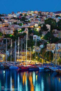 Symi Island, Greece. -- Dodecanese Wonderful Places, Beautiful Places, Cruise Italy, Affordable Family Vacations, Sailing Holidays, Italy Holidays, Capri Italy, Greece Islands, Paradise Island