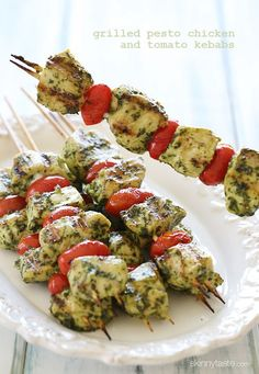 Skinny Grilled Pesto Chicken and Tomato Kebabs ~ These chicken kebobs just SCREAM summer, made with skinny basil pesto and grape tomatoes, flo fat, calories and guide tips cooking Think Food, I Love Food, Grilled Pesto Chicken, Chicken Kabobs, Healthy Chicken, Balsamic Chicken, Grilled Salmon, Grilling Recipes, Cooking Recipes