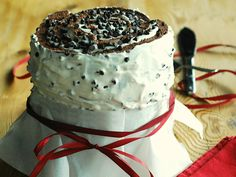 Torta girella con crema di ricotta e cioccolato