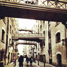London from @CiaranBurke