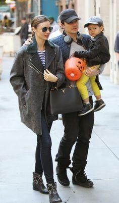 Miranda Kerr, estilo en familia | Fashion Assistancehttp://blog.hola.com/fashionassistance/2013/10/miranda-kerr-estilo-en-familia.html