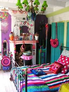 Bohemian Bedroom Decor Ideas - Find the most effective Bohemian Room Styles. Learn the best ways to give your bedroom a boho touch. Bohemian Bedroom Design, Bohemian Room, Girl Bedroom Designs, Bohemian Interior, Girls Bedroom, Bedroom Ideas, Gypsy Bedroom, Bohemian Style, Bohemian Gypsy