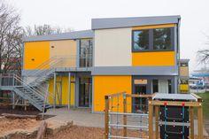 #Kindergarten #Kinderhort #zweistöckig Mini Houses, Kindergarten, Multi Story Building, Dormitory, School, Studying, Preschool, Kindergartens, Day Care
