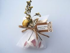 Looking for a perfect gift to give to family and friends on your special day? These three magnolia scented, oatmeal and shea butter soaps are a unique present. Each favour is decorated with white hand dried flowers and a personalised label. Soap Gifts, Soap Wedding Favors, Shea Butter Soap, Personalized Labels, Unique Presents, Handmade Items, Handmade Gifts, Soap Making, Dried Flowers