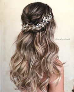 45 Half Up Half Down Wedding Hairstyles Ideas - 30 Wedding Hair Half Up Ideas ♥️ We collected the best wedding hairstyles half up half down that will never go out of style. This bridal hair i. Messy Wedding Hair, Wedding Hair And Makeup, Half Up Wedding Hair, Half Up Half Down Wedding Hair, Bridesmaid Hairstyles Half Up Half Down, Bridesmaid Hair Half Up Long, Prom Hair Down, Box Braids Hairstyles, Down Hairstyles