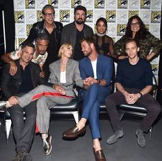 "Mark Ruffalo: ""Some of my favorite co-workers. Thor: Ragnarok"" (https://twitter.com/MarkRuffalo/status/890274267622920193 )"