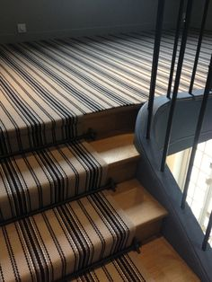 Hartley & Tissier JD05 Linen fitted as a stair runner and close cover landing.