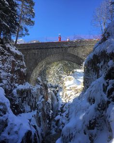 Ce week-end c'était #shooting #drone au #PontdEspagne / #Cauterets  @cauterets @npyski @djiglobal #OVSmedia #winter #snow #bridge #Phantom3 #DJi #iPhonography by overshotmedia