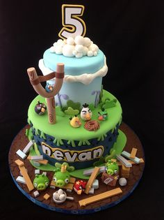 Angry birds cake by Andreas SweetCakes, via Flickr