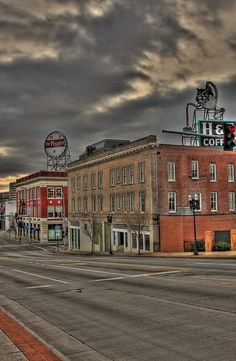 love this picture of Roanoke Va..the 2   signs has been there for years..