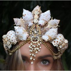 large mermaid crown (855 HRK) ❤ liked on Polyvore featuring home, home decor, handmade home decor and mermaid home decor