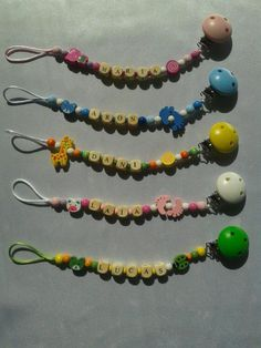 Chupeteros madera Beaded Necklace, Beaded Bracelets, Ideas Para, Jewelry, Pacifiers, Chains, Necklaces, Beaded Collar, Jewlery