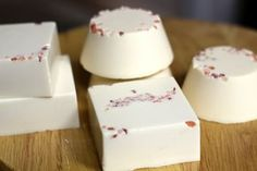 Learn how to make soleseife brine soap using fine sea salt. Different than a regular salt bar, this soap uses salt dissolved in the lye solution.