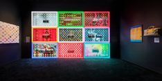 Luxury behemoth Louis Vuitton celebrates 160 years of creative collabs with the immersive Louis Vuitton X exhibition in Los Angeles. Cindy Sherman, Yayoi Kusama, Contemporary Classic, Contemporary Paintings, Beverly Hills, Jonas Wood, Louis Vuitton Trunk, Window Display Design, House Drawing