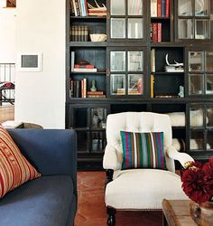 floors, bookshelves (living)
