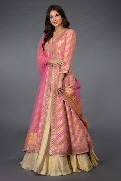 Designer Anarkali Dresses, Designer Party Wear Dresses, Kurti Designs Party Wear, Designer Wear, Stylish Dresses For Girls, Stylish Dress Designs, Designs For Dresses, Indian Gowns Dresses, Indian Fashion Dresses