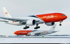 TNT OO-TSC Boeing 777-FHT aircraft picture