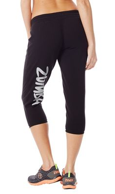 Slip on the oh-so-cozy Simply Solid Crop Sweatpants and sport your Zumba® pride on the outside. These extra-soft capris are perfect for class or maxin' and relaxin'!
