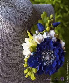 Купить Брошь с анемоной и фрезиями - тёмно-синий, синий, фрезии, анемоны, серый, айвори, молочный
