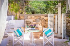 Monta Villa is only 130 meters away from Agios Prokopios Beach in Naxos. The villa can accomodate up to 11 guests: 4 bedrooms, 3 bathrooms, BBQ, swimming pool, private parking. Outdoor Furniture Sets, Outdoor Decor, Guest Room, Montana, Swimming Pools, Bbq, Luxury, Island Villa, Hotels