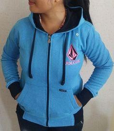 Jaket Ladies Premium Volcom Biru  || Menyerupai Original, lambang Bordir, Bahan halus dan berbulu seperti ori, Resleting sesuai merk, dan nyaman dipakai || Ukuran M dan L ||  Minat??  Telp/WA: 085842323238 || BBM: 5B0B3B3D