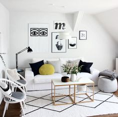 Los espacios pequeños, muchas veces, tienden a tener una iluminación insuficiente que los convierte en lugares oscuros y fríos; efecto que podemos evitar con estos simples tips./> <meta property=