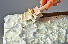 Comment décaper un meuble? Instagram Outfits, Chalk Paint Projects, Diy Cabinets, Paint Furniture, Repurposed Furniture, Restaurant, Home Improvement Projects, Wood Design, Home Deco