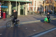 'Snorfiester'on cycle track, central Amsterdam, early morning