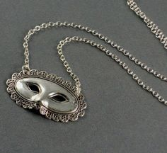 Mask Necklace - would be perfect when going to see The Phantom of the Opera :)