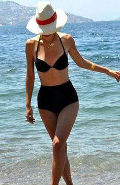 Love this black high waisted bikini and hat