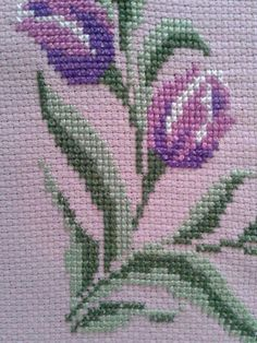 This Pin was discovered by Gul Hand Embroidery Flowers, Embroidery Art, Cross Stitch Embroidery, Cross Stitch Patterns, Thread Art, Prayer Rug, Cross Stitch Flowers, Diy And Crafts, Weaving