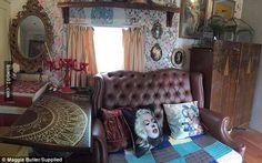 房價屢創新高,對很多剛剛畢業的大學生來說,擁有自己的家是一個可望而不可及的夢想。這是全世界都存在的問題,澳洲也一樣。塔斯馬尼亞省24歲女孩Maggie Butler從黃金海岸畢業後回到家鄉,父母表示她