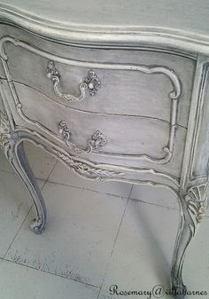 villabarnes: Grey Washed Stand....from pinterest page ...Kathy norato