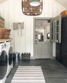 Home Interior Kitchen Your laundry room doesn't have to be boring. Start dressing it up from the outside with a fun door!Home Interior Kitchen Your laundry room doesn't have to be boring. Start dressing it up from the outside with a fun door! Mudroom Laundry Room, Laundry Room Remodel, Laundry Room Design, Mudrooms With Laundry, Mud Room In Garage, Outside Laundry Room, Laundry Room Folding Table, Boho Apartment, Br House