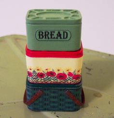 Stacking Picnic Basket and Bread Box Display 1 by TwelfthDimension