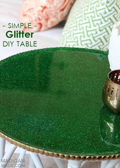 #DIY simple glitter covered table makeover - in #Baylor green and gold!