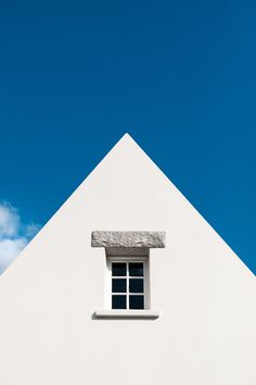 ITAP of a white house against the blue sky Great Photos, New Pictures, Sky Photos, Altered Images, Studio Setup, Light Painting, Photo Backgrounds, Abstract Photography, Cool Lighting