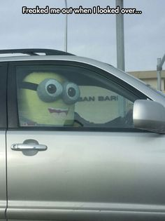 I love the minions. Those of you stuck in traffic every day might look into getting one. LOL:D to funny! Lol, Funny Cute, The Funny, Funny Minion Pictures, Funny Pics, Minions Images, Minions Love, Minions Quotes, Minion Sayings