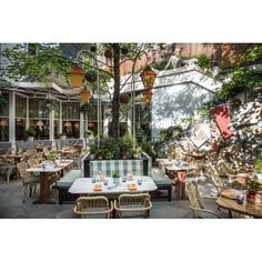 Narcissa - this new restaurant at the Standard Hotel East Village is one of our favorite new places for 2014, adn we like it even more now that they opened up their outdoor dining space, which is pretty much unbeatable fur brunch- Also, carrot fries.