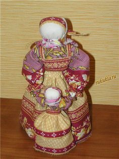 Veduchka - this type of doll, characteristic of Sergiev Posad (Moscow region) toys XIX century. Bright painted figures in headdresses portrayed nurse, leading to an infant. This doll - in the art ragdoll-rolling pin.
