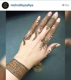 New simple design Finger Henna Designs, Mehndi Designs For Fingers, Mehndi Design Pictures, Best Mehndi Designs, Henna Designs Easy, Beautiful Henna Designs, Bridal Mehndi Designs, Mehndi Images, Mehandi Designs