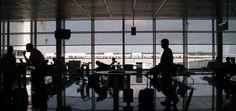 Dusseldorf Airport is éen van de grootste luchthavens van Duitsland. De luchthaven ligt 8 kilometer ten noorden van de Düsseldorf zelf, in de regio Noordrijn-Westfalen. Tevens is de luchthaven een hub van Lufthansa, ze vliegen meerdere malen per dag naar Barcelona. Vanaf een prijs van een ongeveer 100 euro. Para obtener más información, por favor visite nuestro sitio - http://www.airportbarcelona.nl/